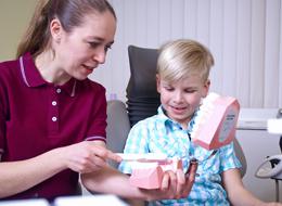 Zahnvorsorge für Kinder und Jugendliche zwischen 6 und 17 Jahren